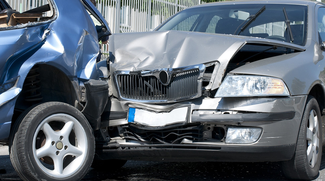 Calling an Accident Lawyer After an Accident