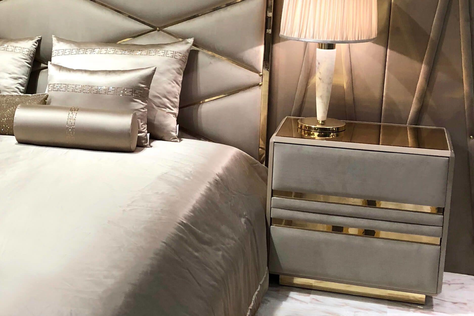 Choosing The Best Bedside Table